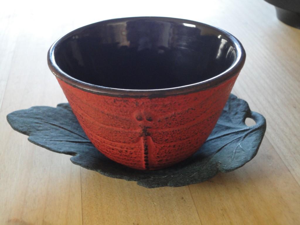 Dragonfly teacup with tea leaf saucer